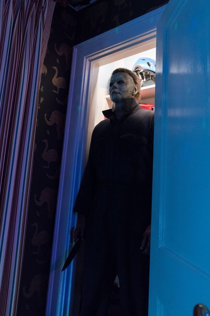 ScreenHub-Movie-Halloween 2018 Michael Myers in Closet
